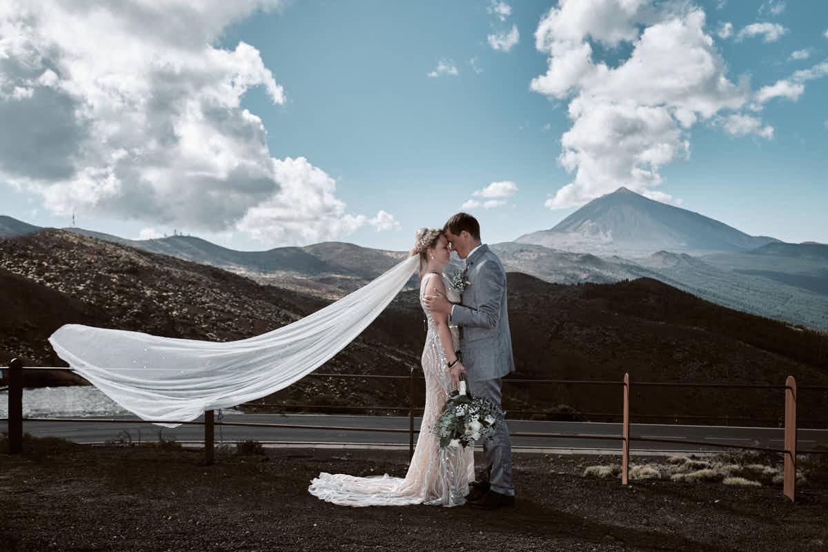 Fotograf Teneriffa Ela & Chris fotografieren auf dem Teide ein Afterwedding Shooting auf Teneriffa