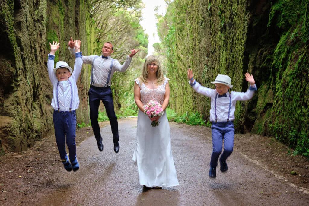 Nach dem Hochzeitsshooting kommt das Afterweddingshooting auf der kanarischen Insel Teneriffa mit Ela und Chris als Fotografen